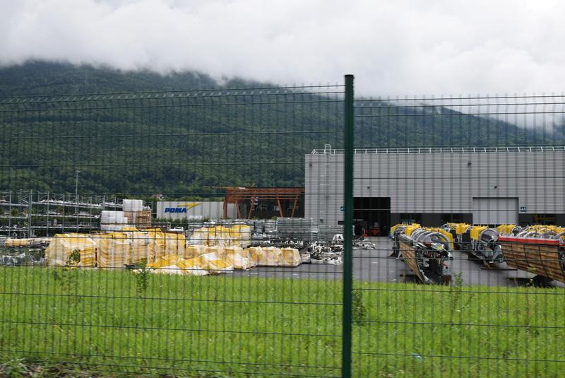 Nouveau site industriel Poma à Gilly sur Isère Dsc_0521