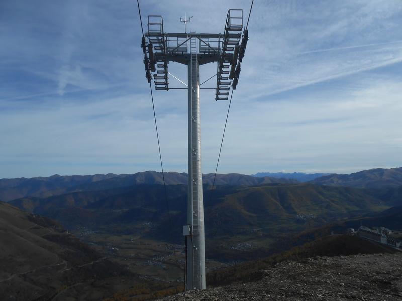 Construction du télésiège débrayable 6 places (TSD6) Bouleaux Dscn3312