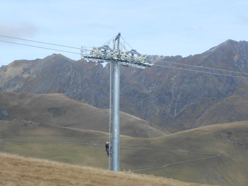 Construction du télésiège débrayable 6 places (TSD6) Bouleaux Dscn3321