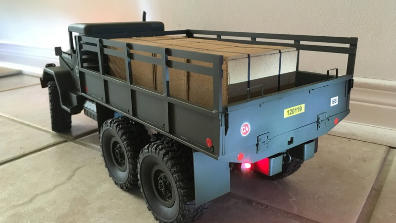 Hand made US conex container (Vietnam) Convoy13