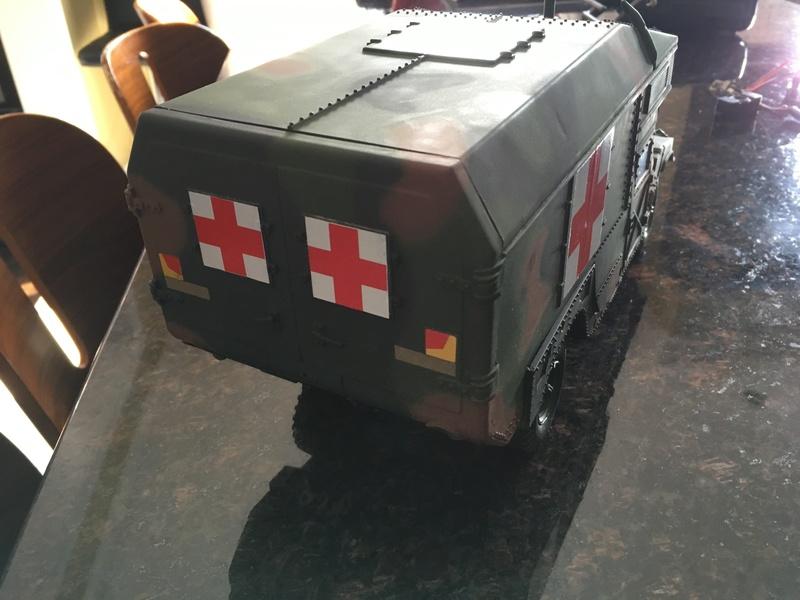 RC 1/16 Humvee ambulance Img_2811