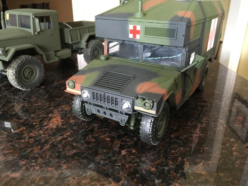 RC 1/16 Humvee ambulance Img_2812