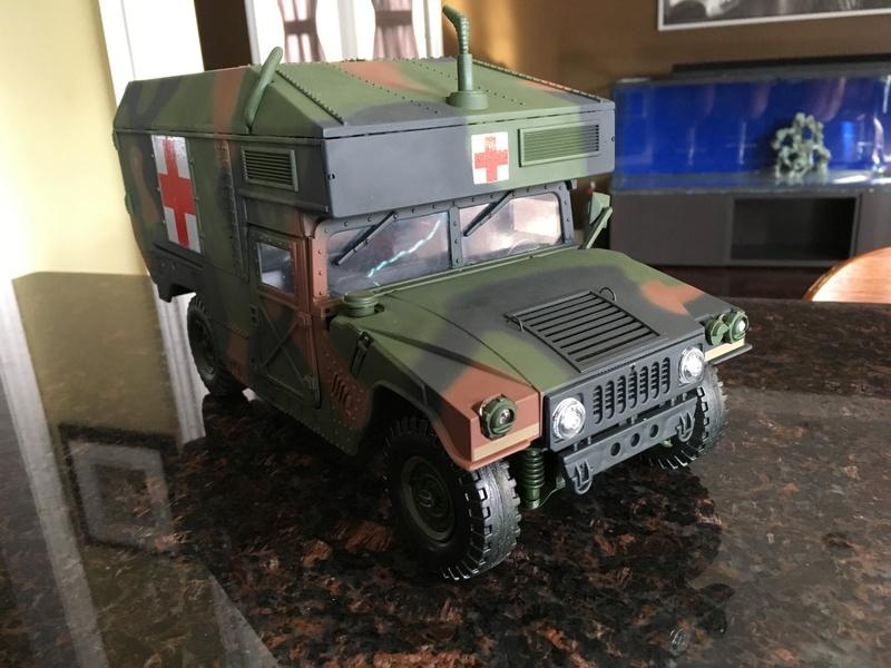 RC 1/16 Humvee ambulance Img_2813