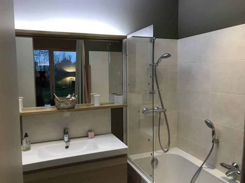 Fixer un pare douche sur une baignoire - Page 2 Img_1315