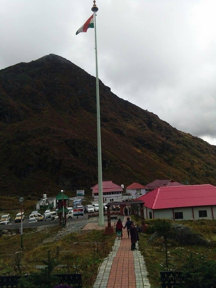সুন্দরী সিকিমের সঙ্গ - যাপন sundari Sikkim 24726511