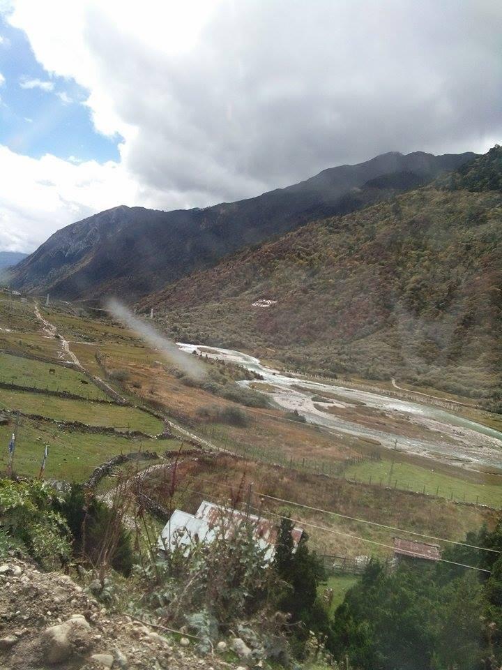 সুন্দরী সিকিমের সঙ্গ - যাপন sundari Sikkim 25323310