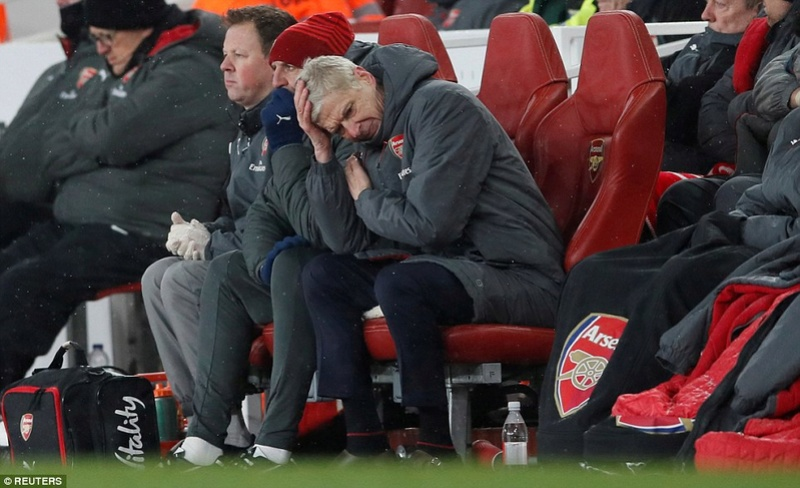 Arsene Wenger faces the end game at Arsenal with Germany coach Joachim Low favourite to replace him 49b6eb10