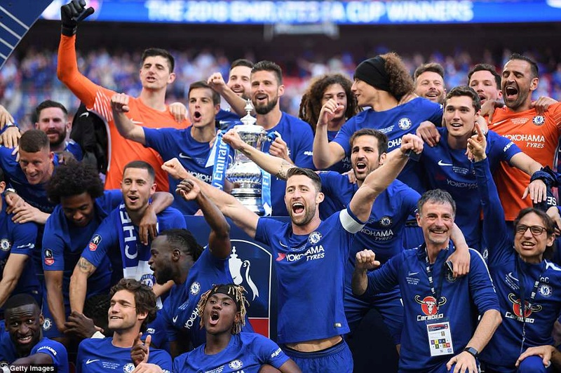 Chelsea 1-0 Manchester United: Hazard scores from the spot to win FA Cup 4c712810