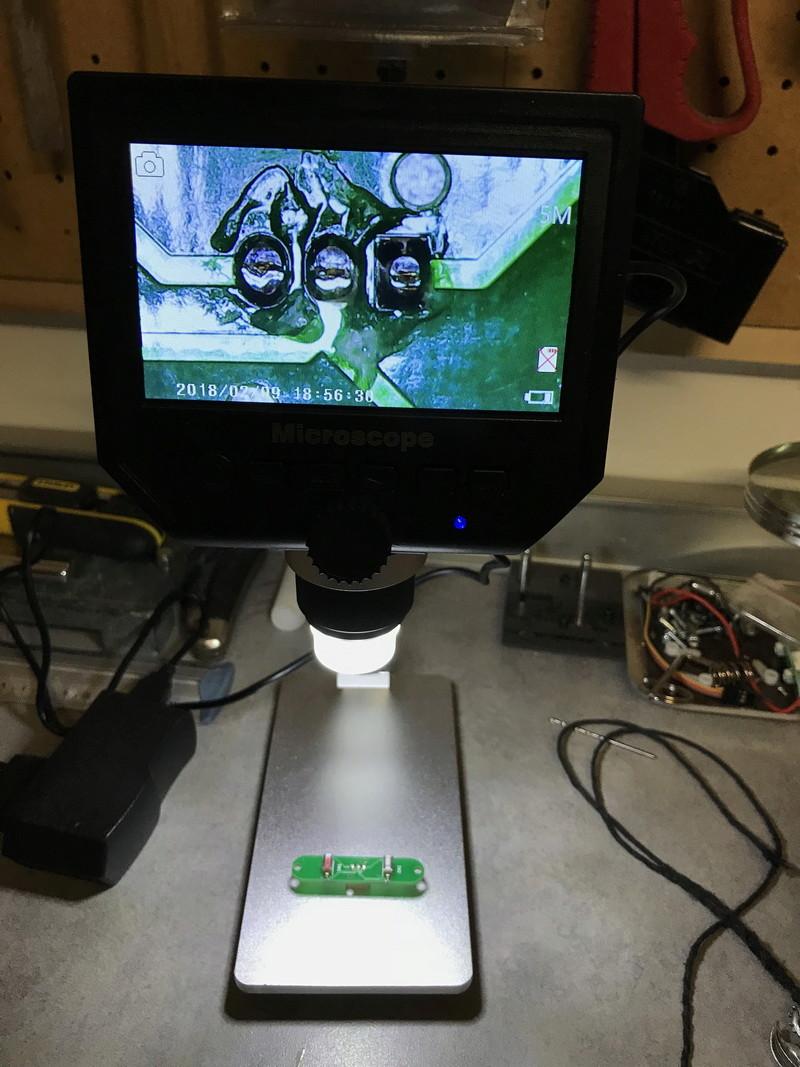 Microscope numérique pour souder les petits composants Micro110
