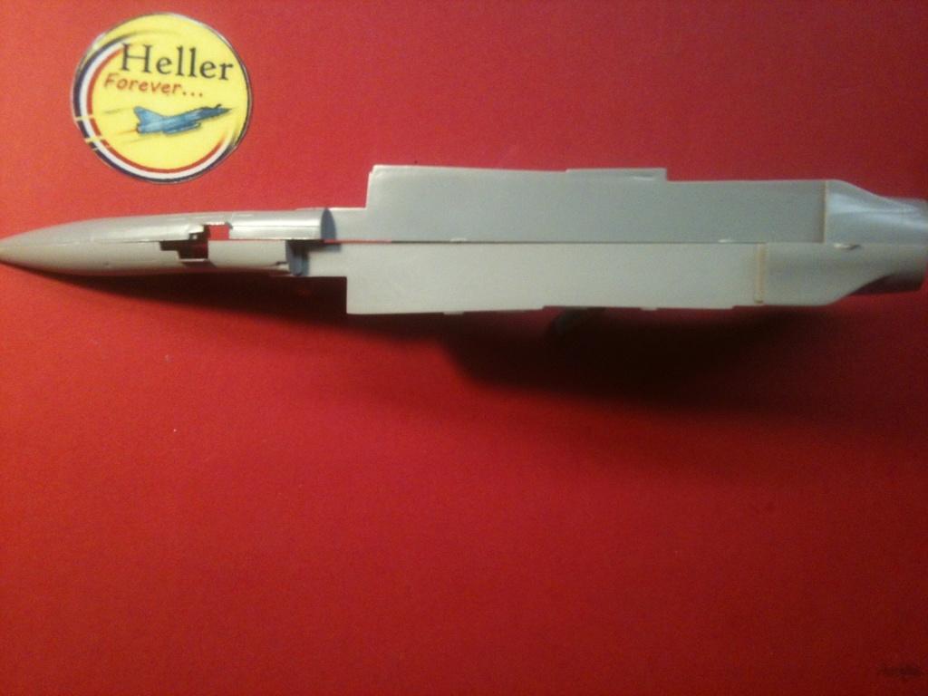 Comparatif DASSAULT MIRAGE 2000 C & N HELLER / ITALERI 1/72ème  Compar16