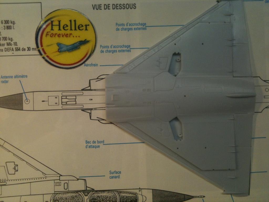 Comparatif DASSAULT MIRAGE 2000 C & N HELLER / ITALERI 1/72ème  Compar43