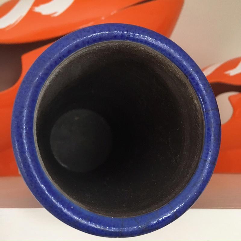 Blue crackle-glaze vase Raku? Img_0219