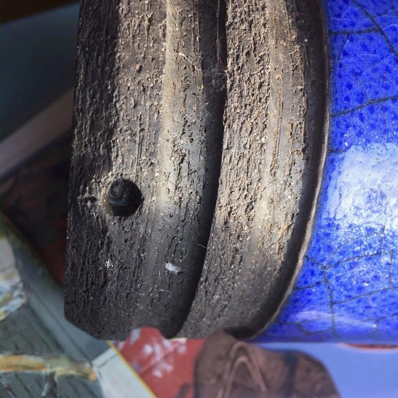 Blue crackle-glaze vase Raku? Img_0221