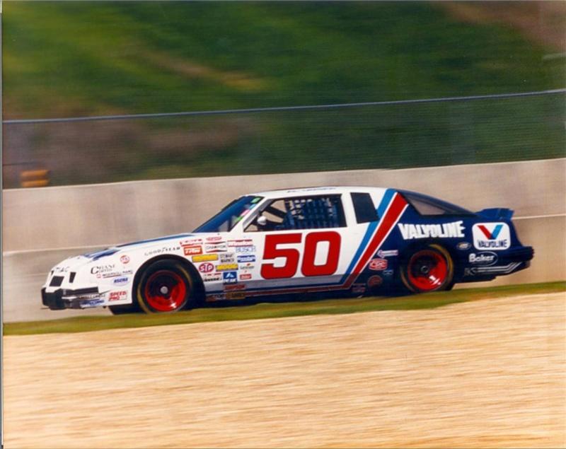 Chevy Monte-Carlo 1983 #11 Darrell Waltrip Pepsi  - Page 2 75037_10