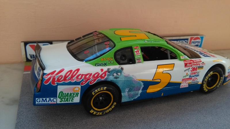 Chevy Monte-Carlo 2001 #5 Terry Labonte Monster inc.  Img_2060