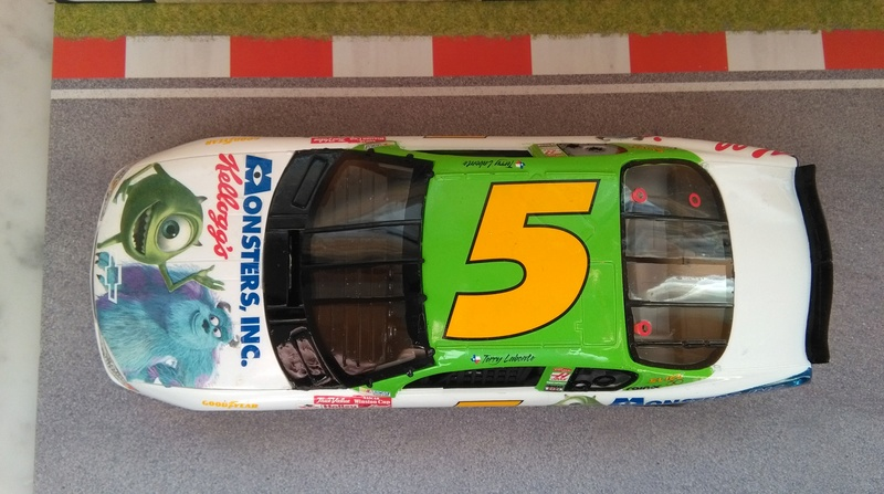 Chevy Monte-Carlo 2001 #5 Terry Labonte Monster inc.  Img_2064