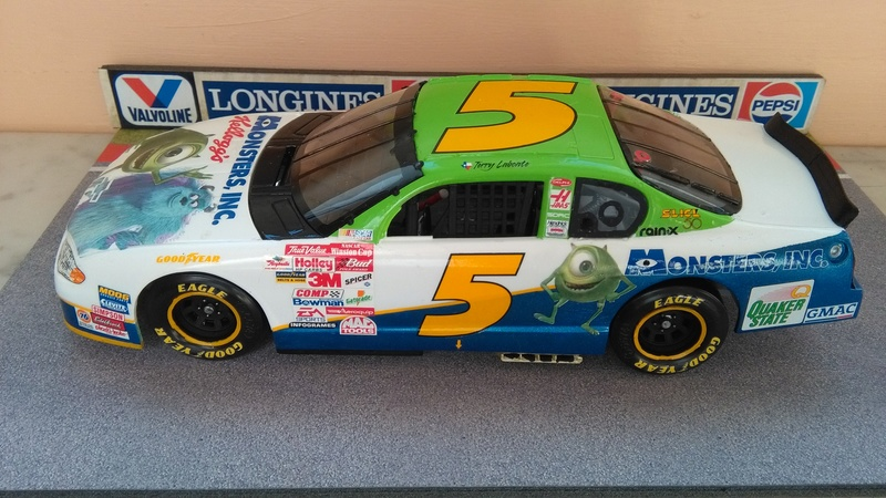 Chevy Monte-Carlo 2001 #5 Terry Labonte Monster inc.  Img_2066