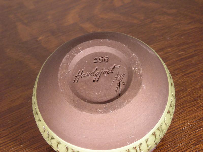 Scandinavian studio pottery bowl - alingsås keramik  Base10