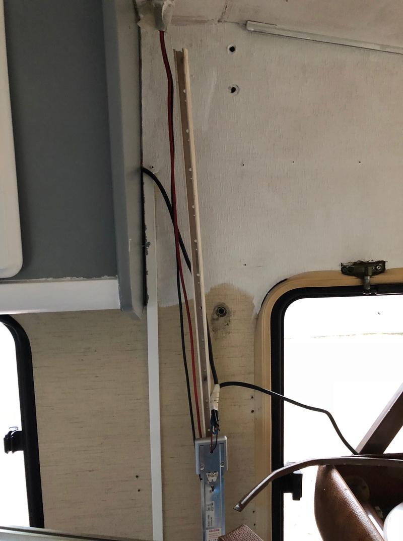 Un garage qui déborde sur la rue - Page 9 Img_1423