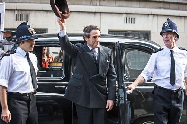 A Very English scandal, avec Hugh Grant et Ben Whishaw A-very10