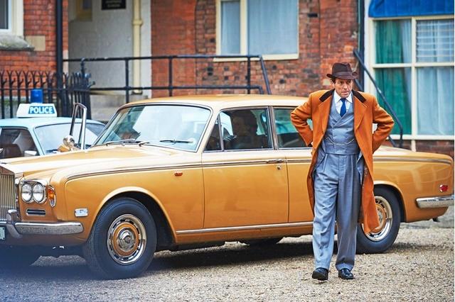 A Very English scandal, avec Hugh Grant et Ben Whishaw Englis10