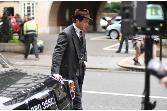 A Very English scandal, avec Hugh Grant et Ben Whishaw Final_10
