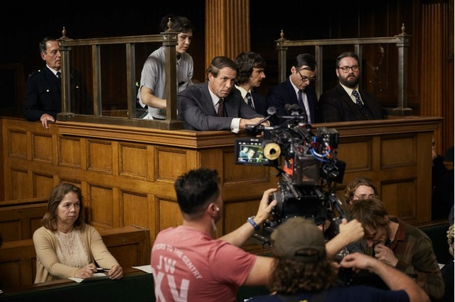 A Very English scandal, avec Hugh Grant et Ben Whishaw Final_11