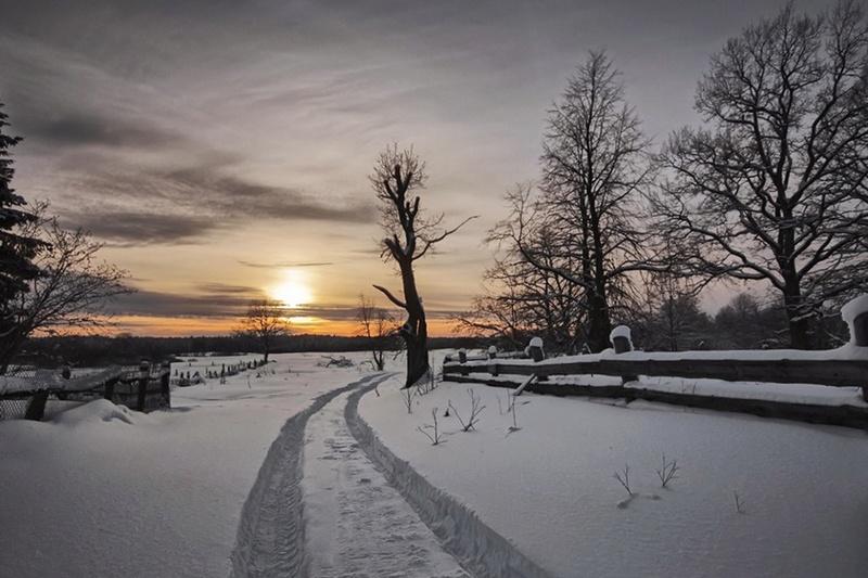 Zimski pejzaži-Winter landscapes - Page 26 82919210