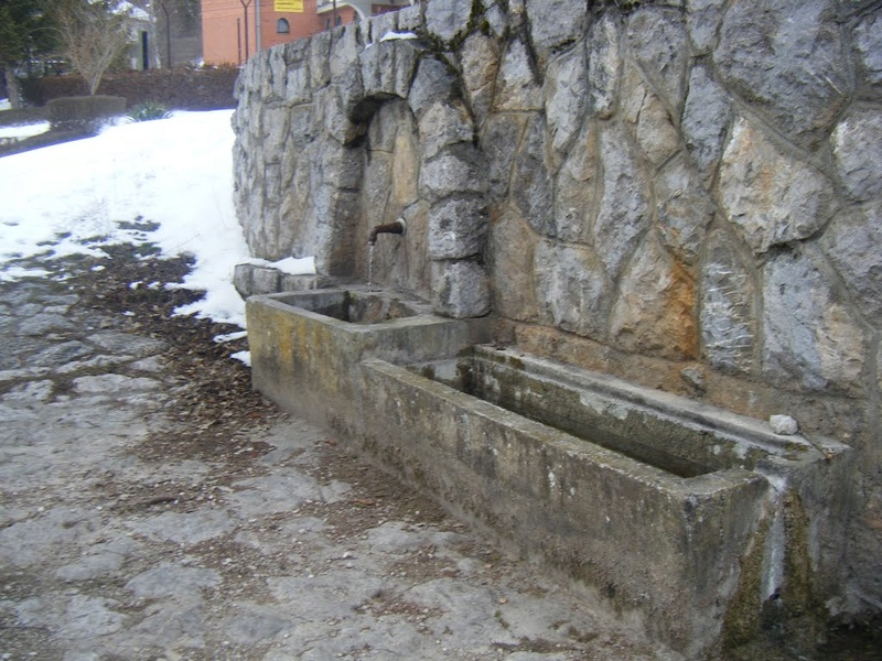 Česme, bunari i izvori - Page 6 Esma2811