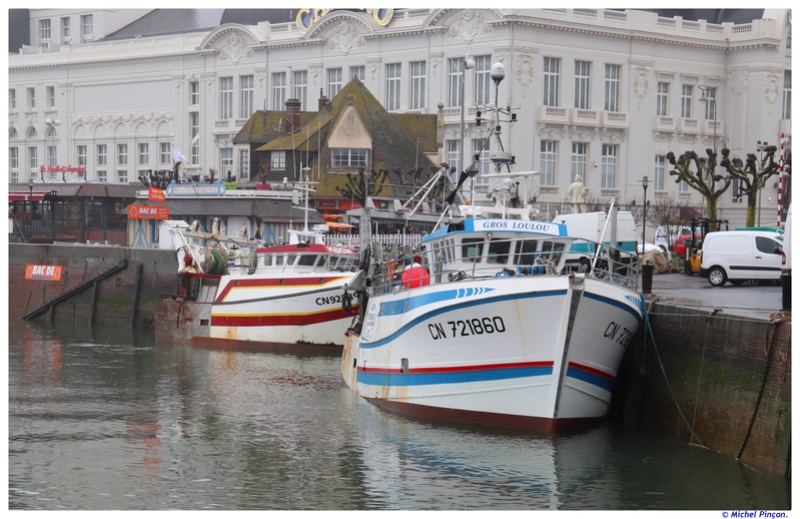 [VIE DES PORTS] Quelques bateaux de pêche (sur nos côtes Françaises) - Page 38 Dsc01223