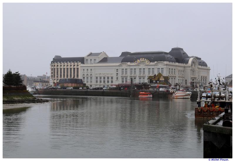 [VIE DES PORTS] Quelques bateaux de pêche (sur nos côtes Françaises) - Page 38 Dsc01227