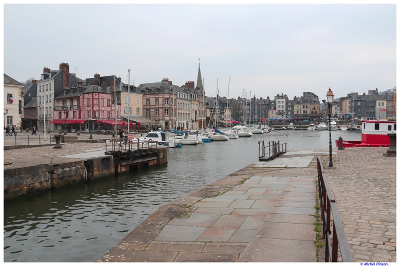 Le port de Honfleur - Page 3 Dsc01359