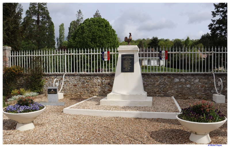 [ Histoires et histoire ] Monuments aux morts originaux Français Tome 2 - Page 6 Dsc01504
