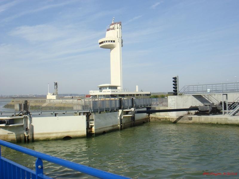 Le port de Honfleur - Page 3 Dsc06410