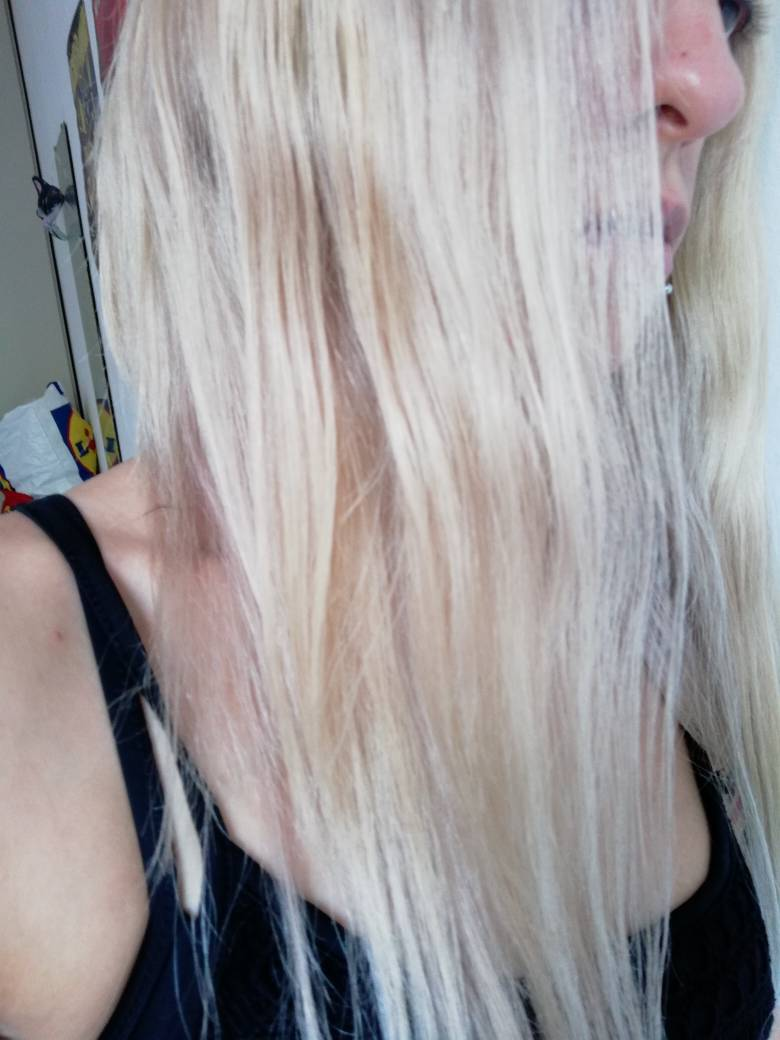 Con una peluca vacuum sin colas y tapes puede hacerte tambien una cola alta. 9be45310