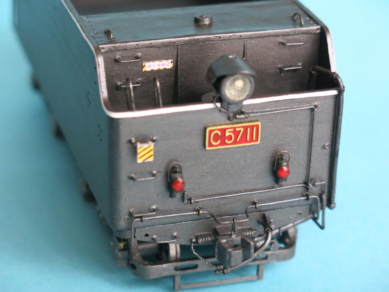 Locomotive C 57 de la JNR  - Page 2 Img_7745