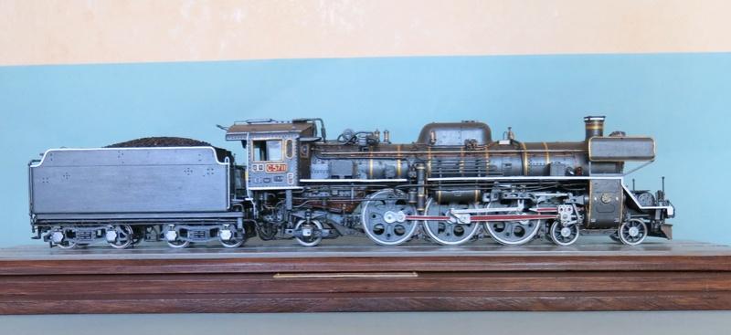 Locomotive C 57 de la JNR  - Page 2 Img_8434