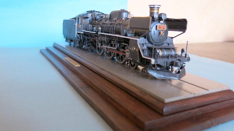 Locomotive C 57 de la JNR  - Page 2 Img_8436