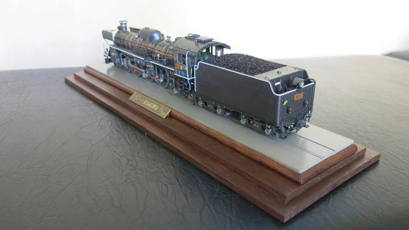 Locomotive C 57 de la JNR  - Page 2 Img_8438