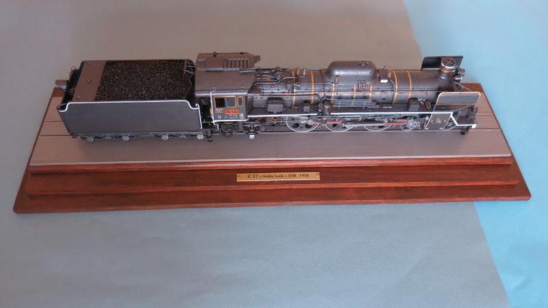 Locomotive C 57 de la JNR  - Page 2 Img_8523