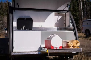 Upscale teardrop trailer is a tiny home on the go - Curbed Captur23