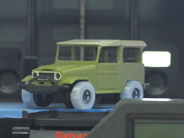Parechoc 3D avec Attache Remorque 3D pour Scx10 et autres Scale et Crawler 1/10 M12a10