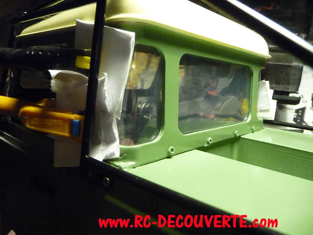 Fabrication Land Rover Pickup Defender D90 pour Léo - Page 7 Peintu10