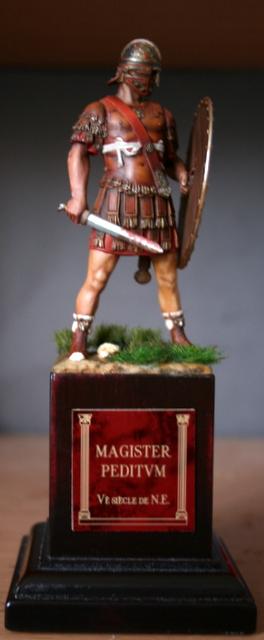 Magister Peditum, décoration du bouclier modifiée.... Img_6516