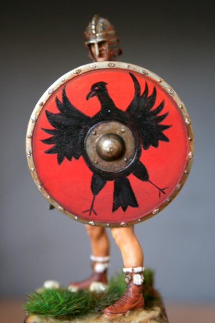 Magister Peditum, décoration du bouclier modifiée.... Img_6521