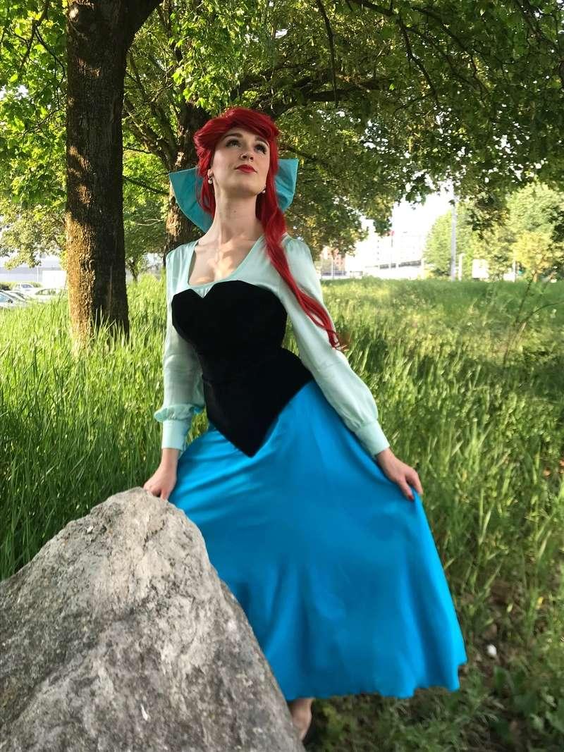 [Costumes] Robes de Princesses et tenues de Princes - Page 25 Img_1412