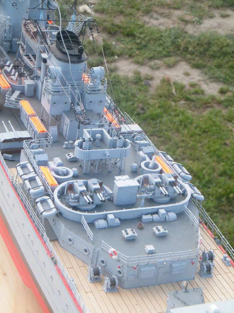 Croiseur Georges LEYGUES au 1/100 sur plan Dscf0511