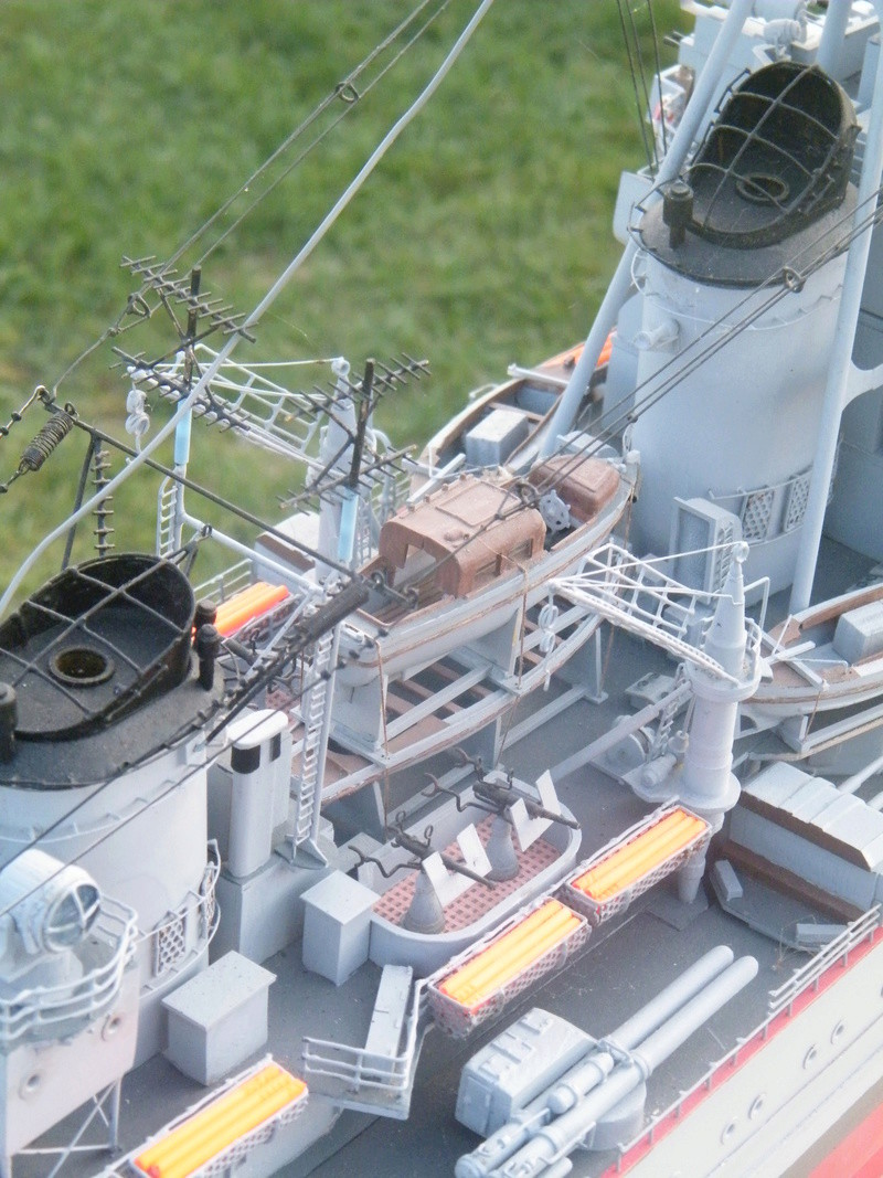 Croiseur Georges LEYGUES au 1/100 sur plan Dscf0611