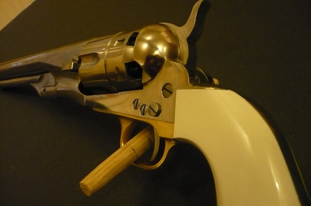 Colt 1860 Army Old Silver P1020313
