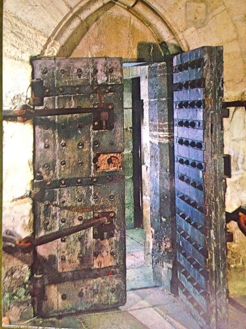 La famille royale à la prison du Temple : plans et aménagements - Page 3 083b5e10